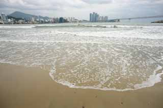 photo,material,free,landscape,picture,stock photo,Creative Commons,Pusan Guangan village, wave, sandy beach, building, The sea