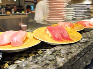 photo,material,free,landscape,picture,stock photo,Creative Commons,Belt-conveyor sushi, Sushi, Fatty tuna, tuna, Finger sushi