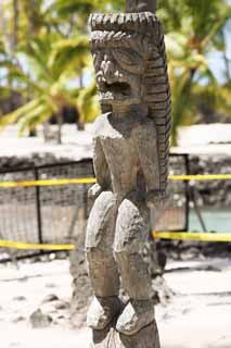 photo,material,free,landscape,picture,stock photo,Creative Commons,Pu'uhonua o Honaunau Tiki image, , , ,