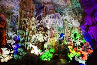 photo,material,free,landscape,picture,stock photo,Creative Commons,Halong Bay Tien Kung cave, , , ,