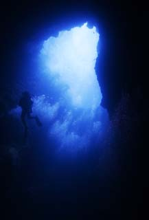 photo,material,free,landscape,picture,stock photo,Creative Commons,Gleam of a blue hall, cave, DIVING, The sea, underwater photograph