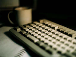 photo,material,free,landscape,picture,stock photo,Creative Commons,Break time for a programmer, keyboard, desk, cup,