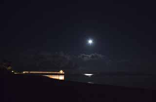 photo,material,free,landscape,picture,stock photo,Creative Commons,A moonlit night of Ishigaki-jima Island, barge, lighter, The moon, The sea