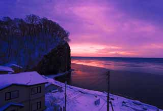 photo,material,free,landscape,picture,stock photo,Creative Commons,The daybreak of Okhotsk, The seaside, Dawn, It is snowy, Crimson