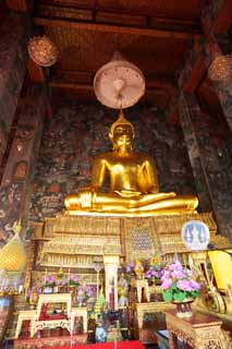 photo,material,free,landscape,picture,stock photo,Creative Commons,A great statue of Buddha of Wat Suthat, temple, Buddhist image, corridor, Gold