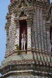 photo,material,free,landscape,picture,stock photo,Creative Commons,An image of Temple of Dawn, temple, Buddhist image, tile, Bangkok