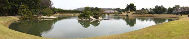 photo,material,free,landscape,picture,stock photo,Creative Commons,The pond of the Koraku-en Garden swamp, resting booth, lawn, pond, Japanese garden
